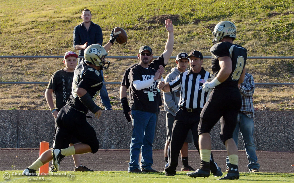 . Butte College\'s #85 Richard Murphy (left) scores a touchdown against City College of San Francisco in the third quarter of their football game at Butte\'s Cowan Stadium Saturday, November 16, 2013 in Butte Valley, Calif.  (Jason Halley/Chico Enterprise-Record)