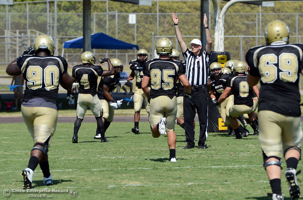 . Butte College scores a touchdown against College of the Siskiyous in the second quarter of their football game at Butte\'s Cowan Stadium on Saturday, September 14, 2013, in Oroville, Calif. (Jason Halley/Chico Enterprise-Record)